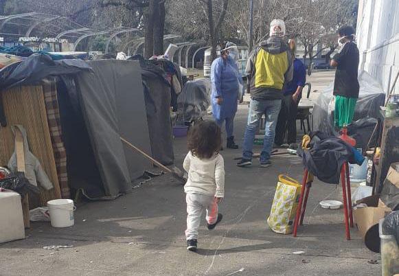 Postales del Post detectar y la infancia en la ciudad más rica del país